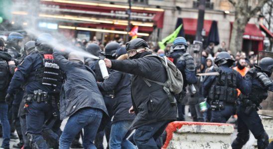 Des manifestations à la Place de la Bastille, Paris, France.